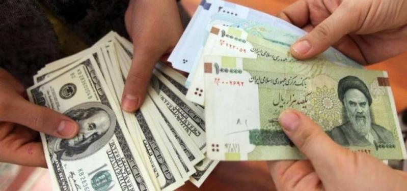 انهيار تاريخي للعملة الإيرانية مقابل الدولار