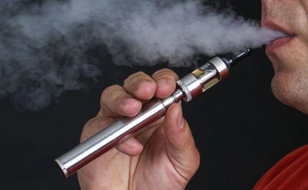 """استشاري لـ"""" المواطن"""": السجائر الإلكترونية تتلف الرئة وتدمر الشرايين - المواطن"""