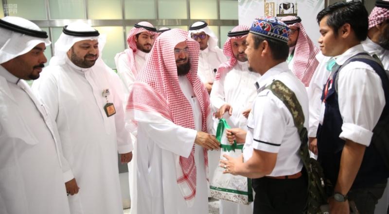 السديس يتفقد جناح وكالة المسجد النبوي
