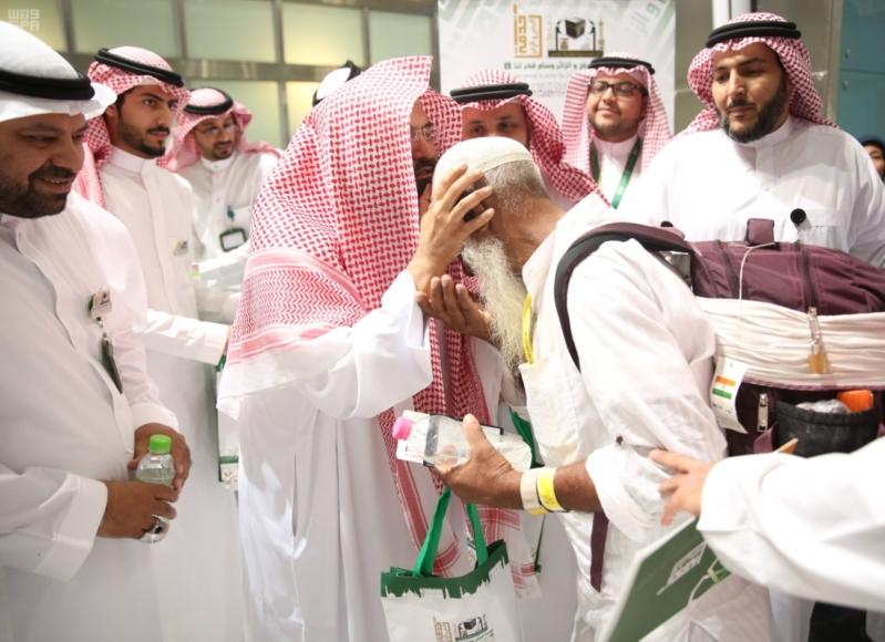 السديس يتفقد جناح وكالة المسجد النبوي.JPG 1