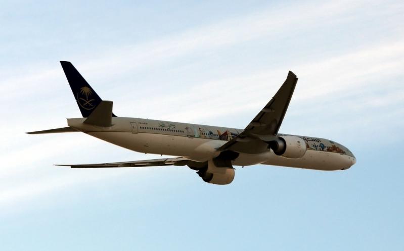 السعودية تودع معرض البحرين باستعراض جوي لطائرة معالم المملكة (2)