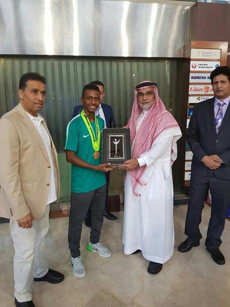 السفير السعودي في جاكرتا يكرم الناشئين