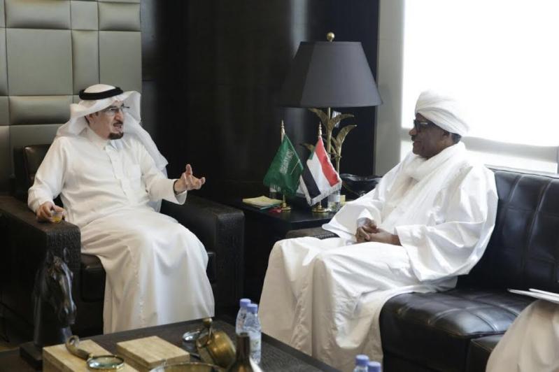 السفير السوداني للحقباني: الوافدون يرتاحون في المملكة ويجدون الإنصاف