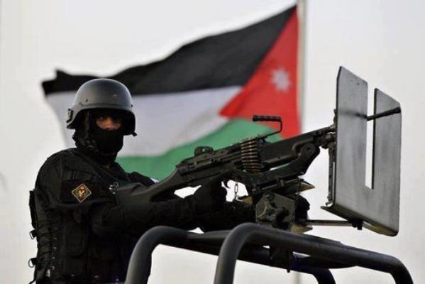 السلطات الأردنية تضع حدودها مع سوريا والعراق مناطق عسكرية مُغلقة