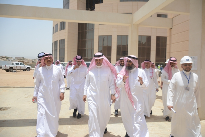 السلمي مدير جامعة الملك خالد (1)