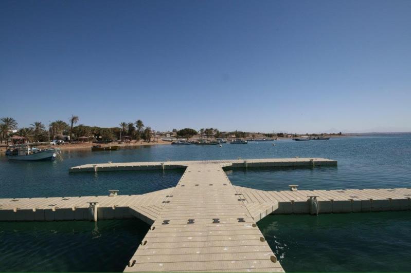 السياحة  نفذت أول مرسى سياحي على شواطئ تبوك