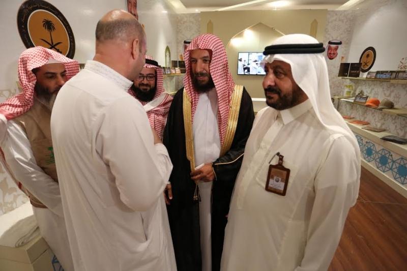 الشتري يزور مقر سكن برنامج الملك للحجاج الفلسطينين 2