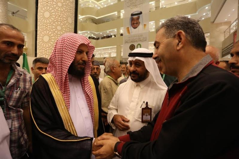 الشتري يزور مقر سكن برنامج الملك للحجاج الفلسطينين