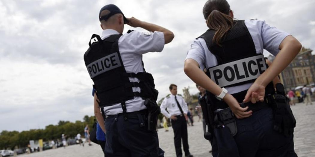 الشرطة الفرنسية تبيع ماكرون لصالح #السترات_الصفراء