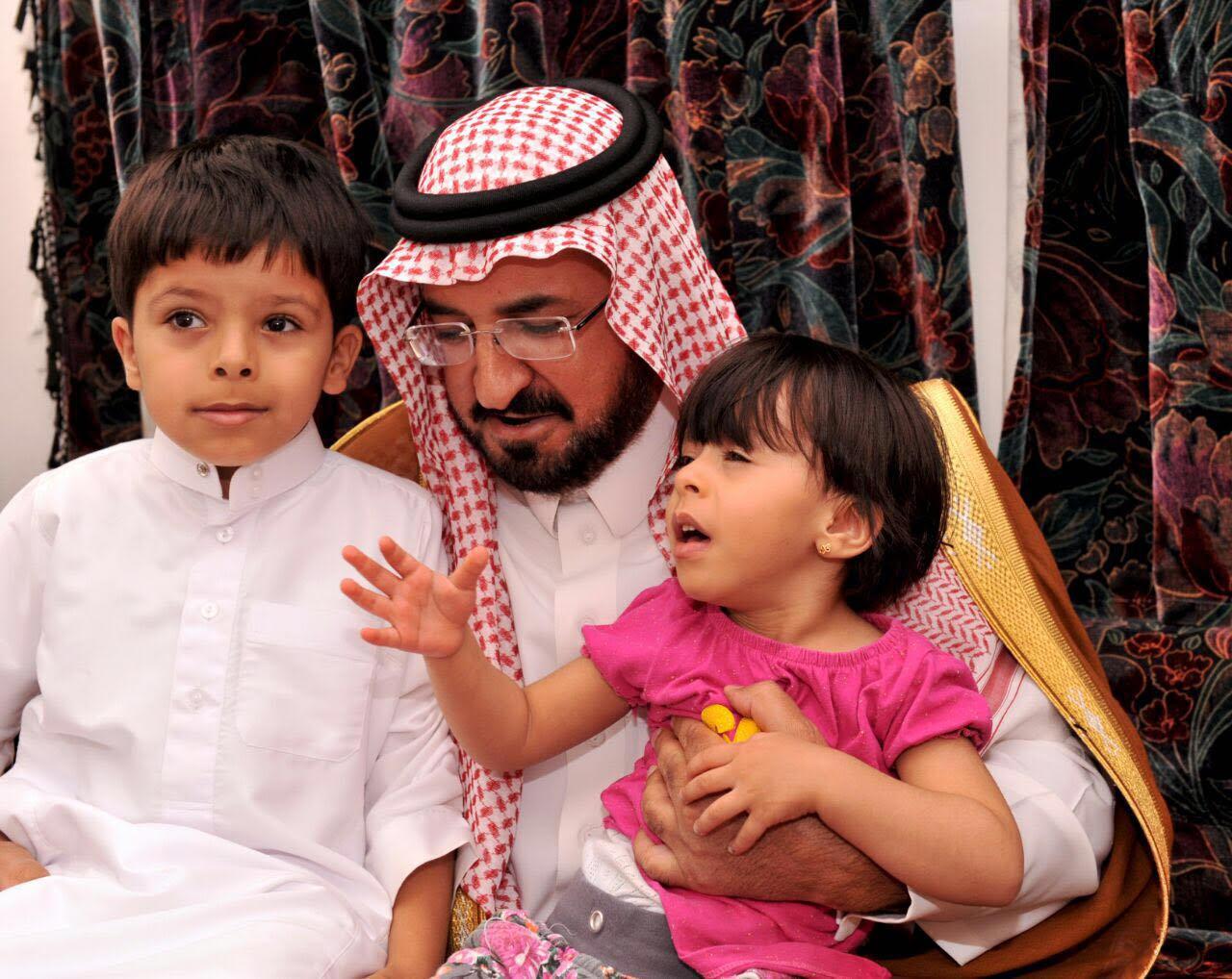 الشمري ينقل تعازي أمير الباحة في شهيد الواجب الغامدي (2)