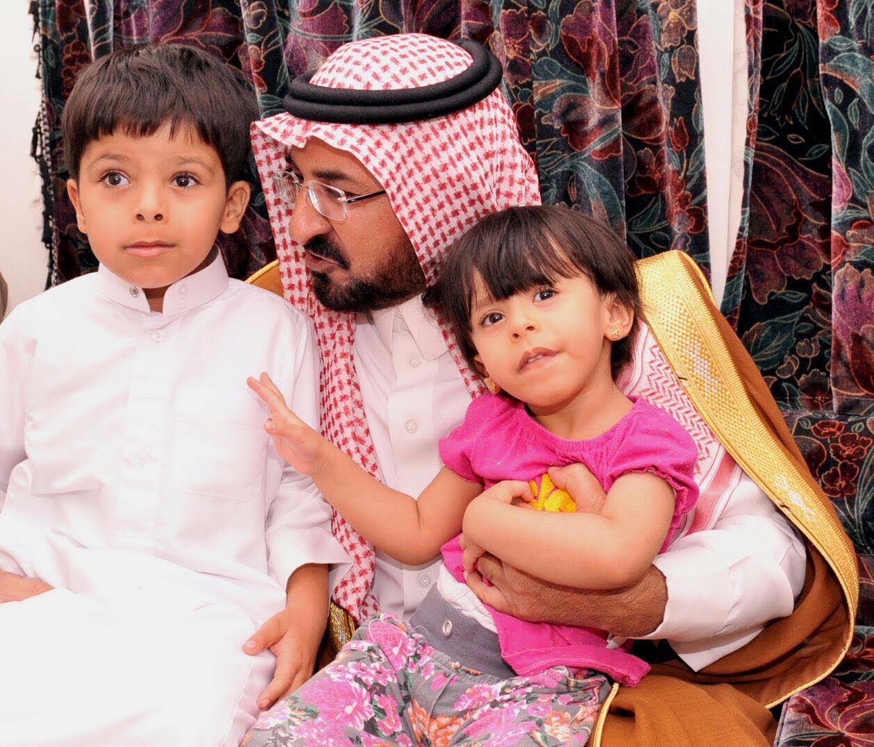 الشمري ينقل تعازي أمير الباحة في شهيد الواجب الغامدي (4)