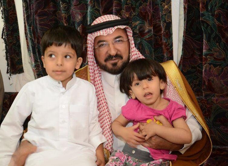 الشمري ينقل تعازي أمير الباحة في شهيد الواجب الغامدي (5)