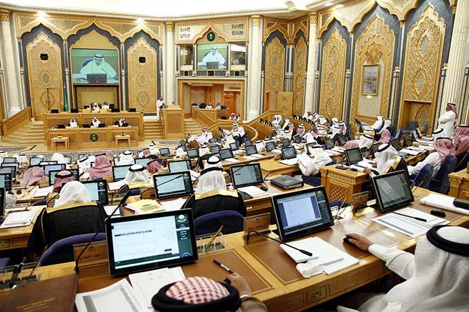 الشورى يُطالب بسرعة إنجاز القضايا الجمركية وقَصْر المعاينة اليدوية على الشك - المواطن