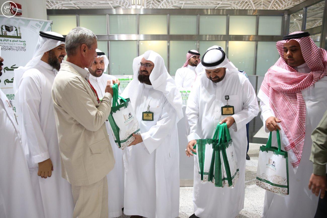 الشيخ السديس يتفقد أعمال رئاسة المسجد النبوي بالمدينة (2)