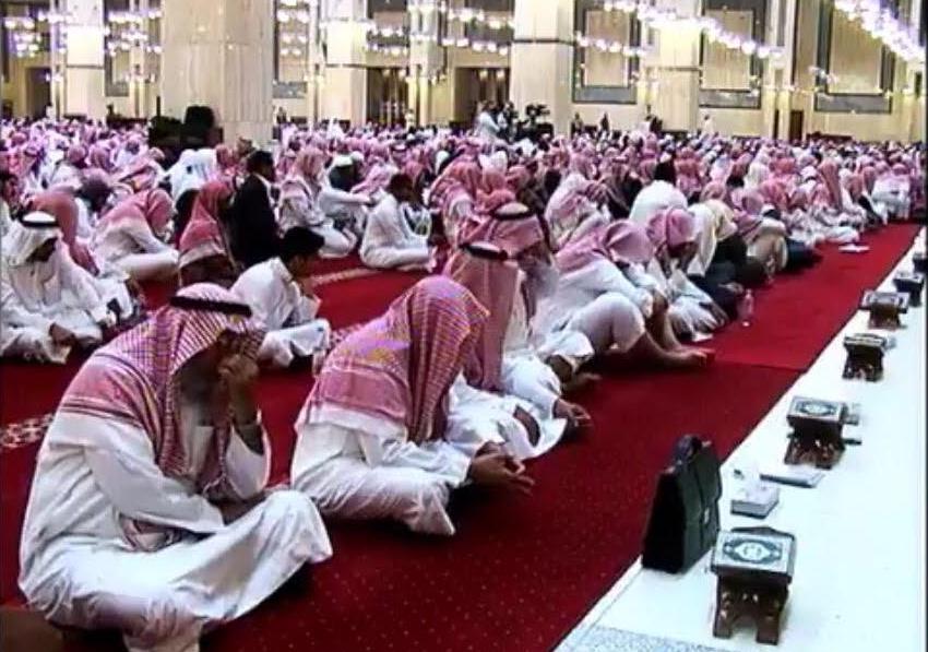الشيخ الفوزان محاضرة يجوز متابعة حسابات الملحدين بهذا الشرط (3)