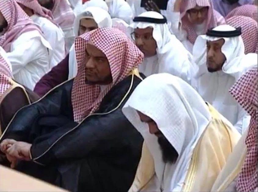 الشيخ الفوزان محاضرة يجوز متابعة حسابات الملحدين بهذا الشرط (4)
