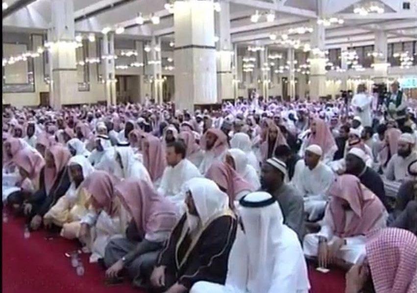 الشيخ الفوزان محاضرة يجوز متابعة حسابات الملحدين بهذا الشرط (7)