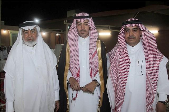 الشيخ-طلال-يحتفل-بتخرج-نجله-بدر (1)