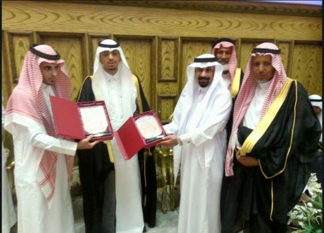 الشيخ-محمد-عمر-السيد-يحتفل-بزواج-نجلية-عمر-وعبدالله  (2)