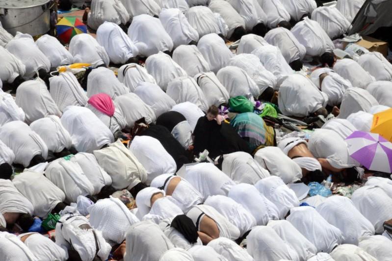 الصلاة-بعرفات (4)