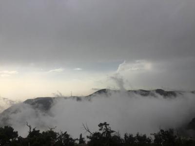 الضباب يعانق جبال منتزه السوده5