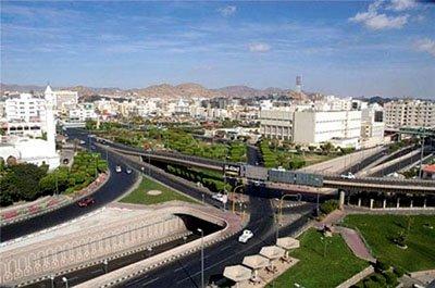 ضبط سائق نقل طالبات في خلوة مع فتاة بالطائف