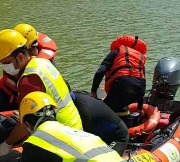 العثور على جثة شاب سقط ببحيرة سد وادي تندحه بخميس مشيط
