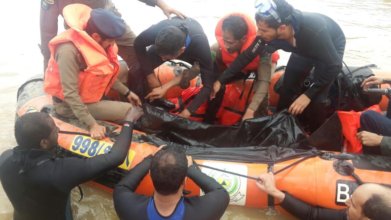 العثور على جثة غريق الجنابين العشريني بالباحة (3)