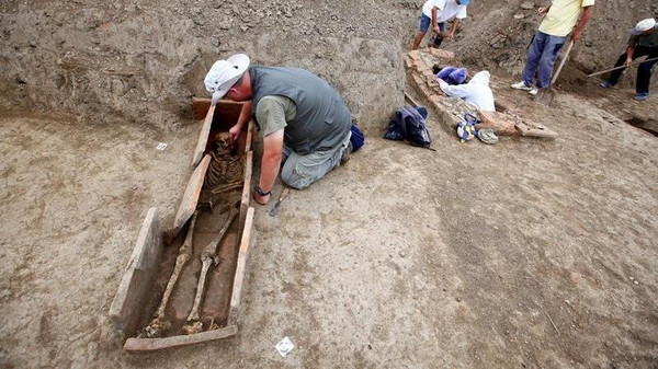 اكتشاف تعاويذ سحرية مع هياكل عظمية قديمة في صربيا