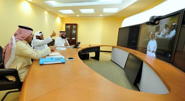 """""""العدل"""" تجري المقابلات لــ95 مرشحًا على وظيفة مترجم إشارة - المواطن"""