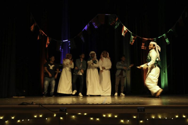 بالصور.. المبتعثون السعوديون يعيدون ليالي التراث العربية إلى جانعة بورتلاند الأميركية