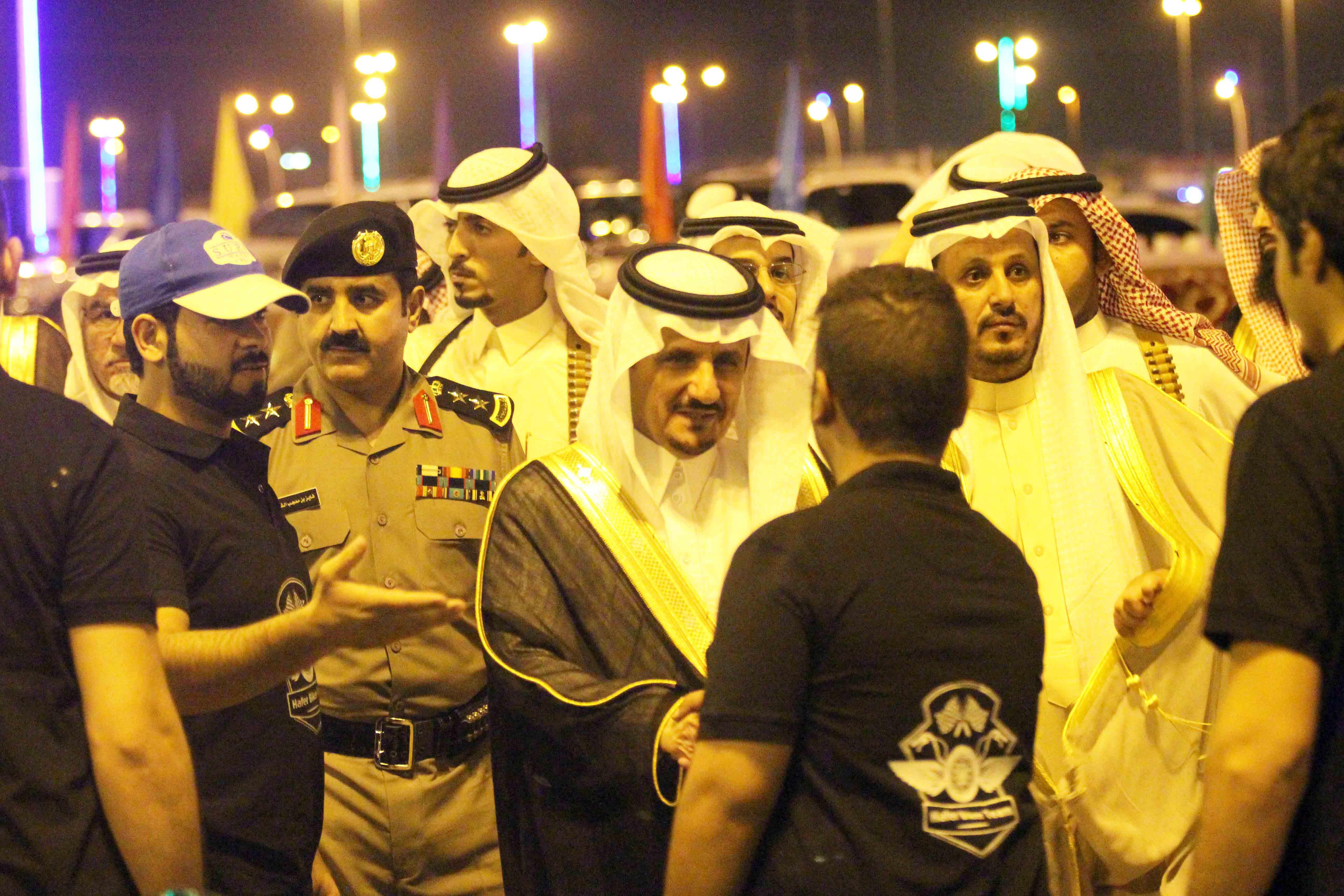 العطيشان يدشن فعاليات العيد بحفرالباطن وسط حضور غفير (1)