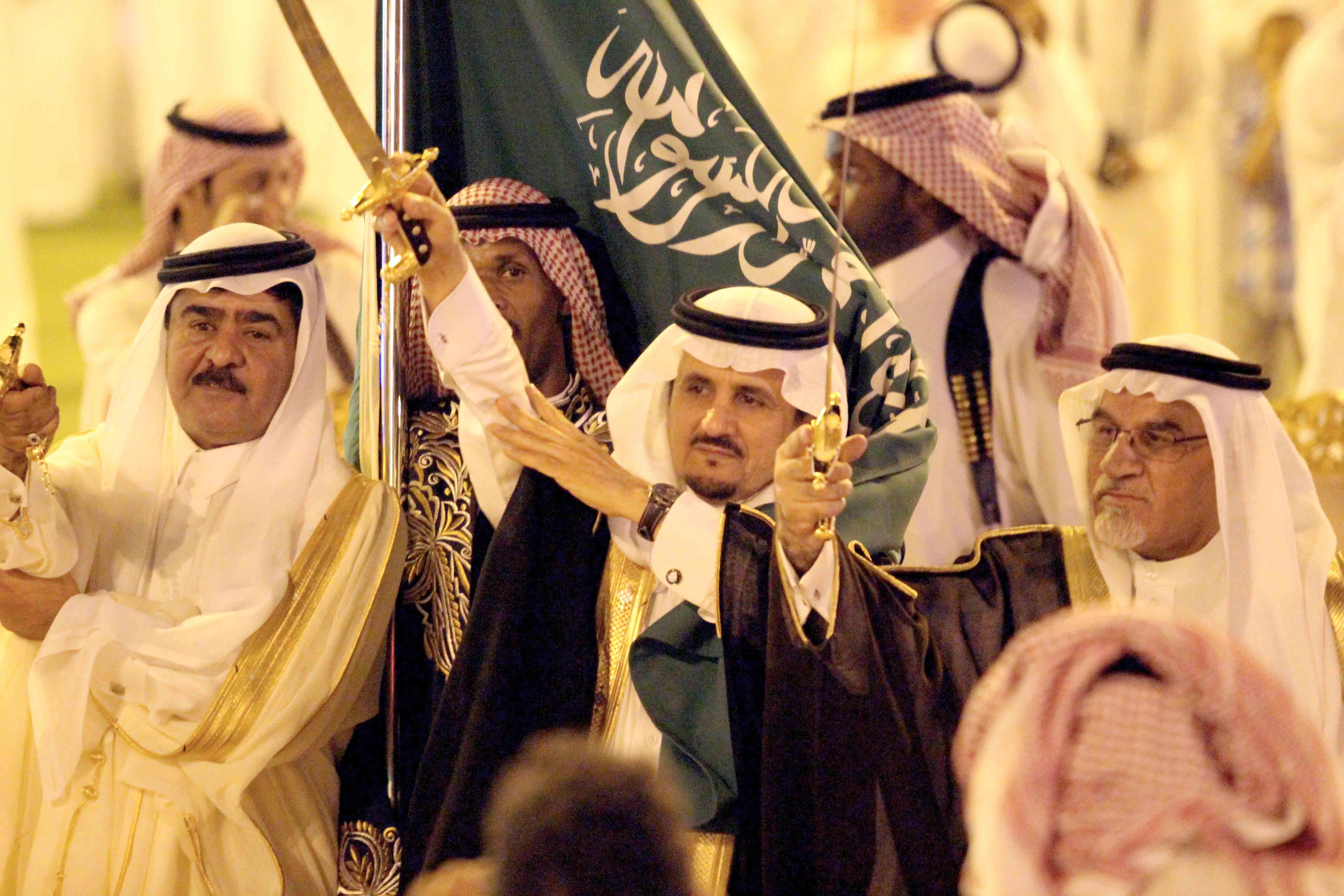 العطيشان يدشن فعاليات العيد بحفرالباطن وسط حضور غفير (20)