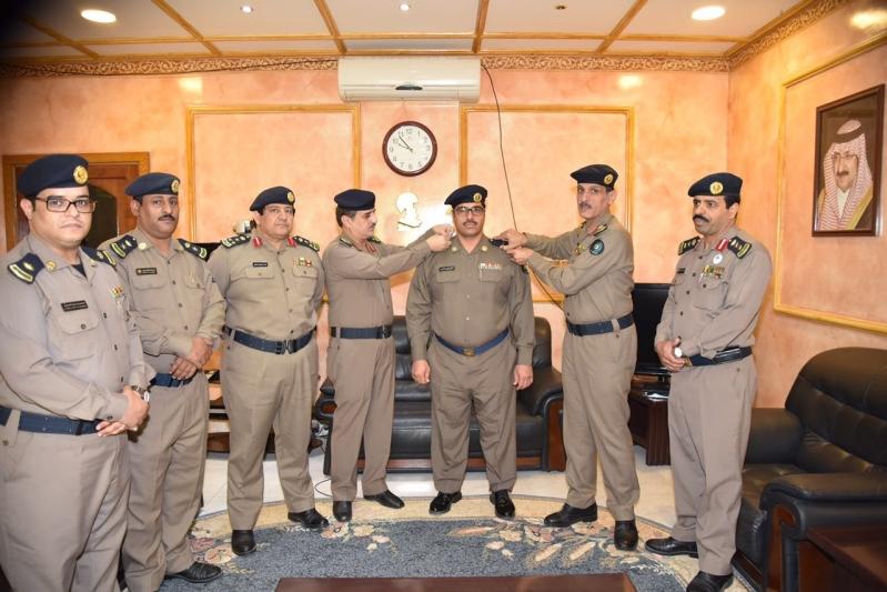 العميد عمر بن عبدالله البيز يقلد عدد من الأفراد رتبهم الجديدة (1)