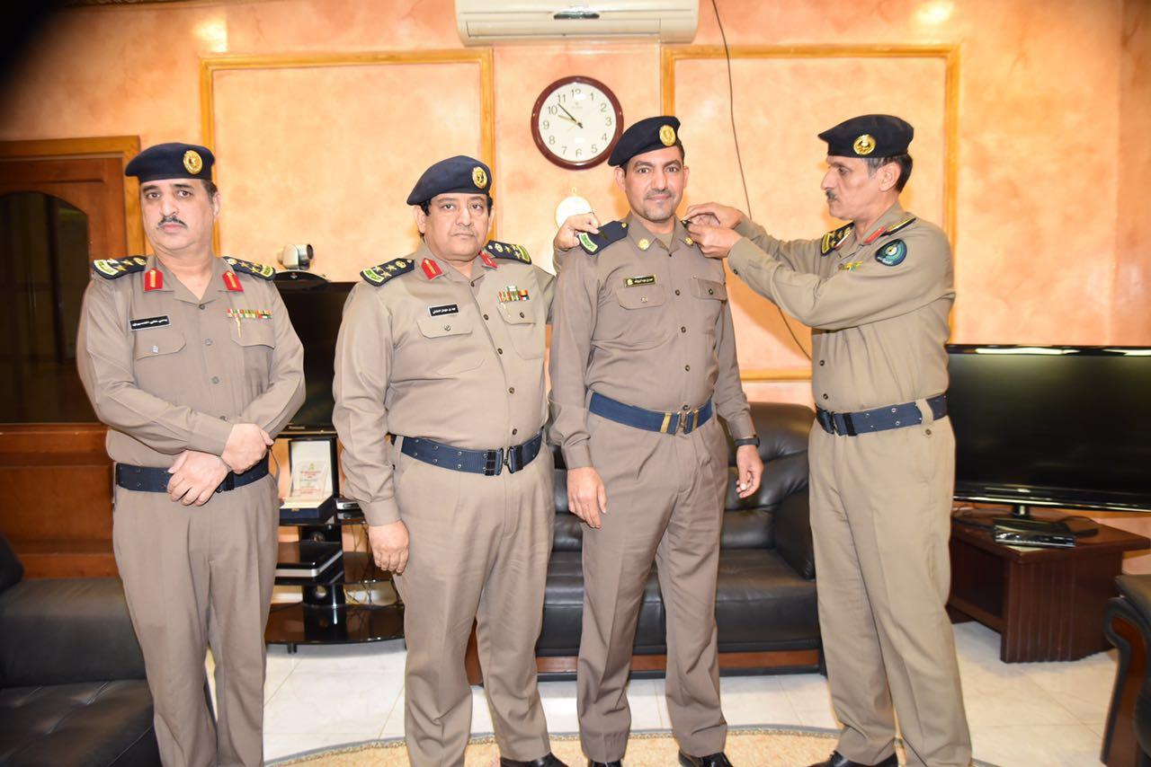العميد عمر بن عبدالله البيز يقلد عدد من الأفراد رتبهم الجديدة (3)