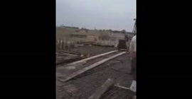 شاهد.. العناية الإلهية تنقذ عامل بناء من سقوط مروّع - المواطن
