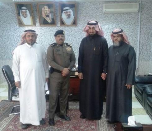 الغامدي يتفقد مدرسة الأمير نايف بسجن بيشة