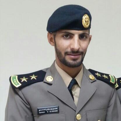 الغامدي يحتفل بتخرجه ملازم اول من كلية فهد الأمنية (1)