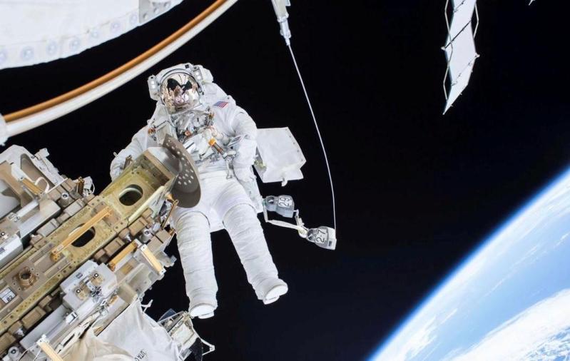 الغرفة الفضائية