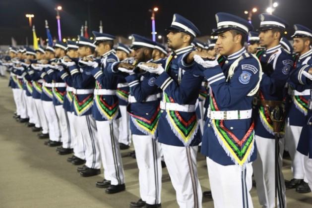 الفريق الركن الشعلان يرعى حفل معهد الدراسات الفنية للقوات الجوية بالظهران (3)