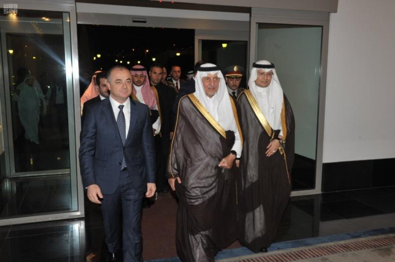 الفيصل يغادر لبنان (1)