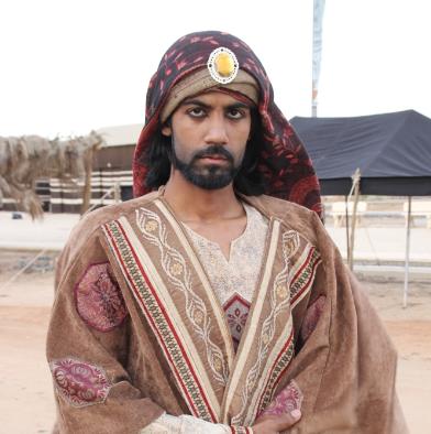 الفيصل يفتتح سوق عكاظ 1 (1)