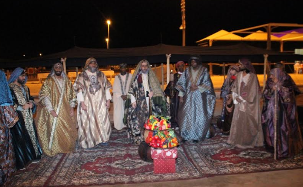 الفيصل يفتتح سوق عكاظ (1)
