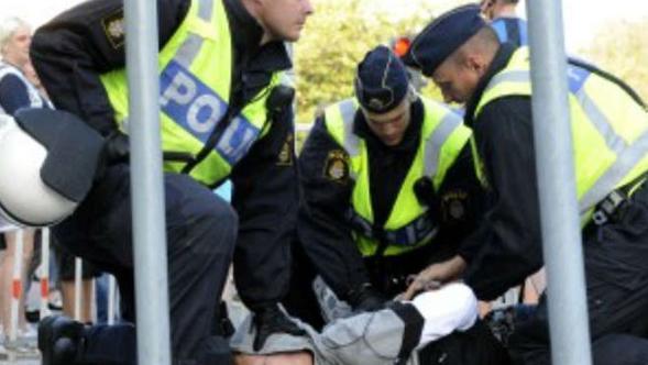 القبض-على معتدي-بالسويد