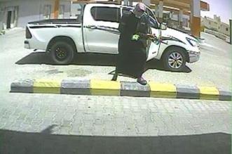 الإطاحة بمواطنين حاولا سرقة جهازي صراف آلي في طريب - المواطن