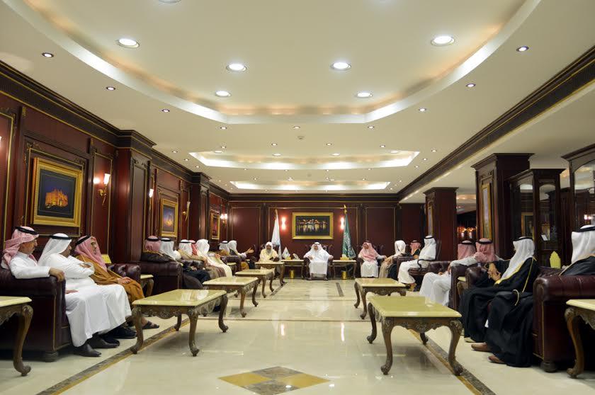 القحطاني يستقبل المشايخ والأعيان بمناسبة تعيينه مديرًا لجامعة جازان (2)