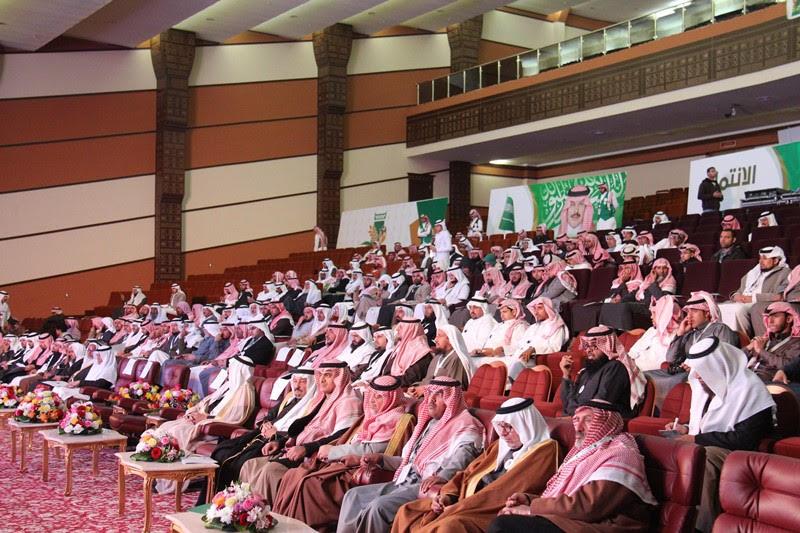 القصبي يزور ملتقى الجهات الخيرية بمنطقة الباحة (13)
