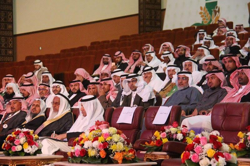 القصبي يزور ملتقى الجهات الخيرية بمنطقة الباحة (22)