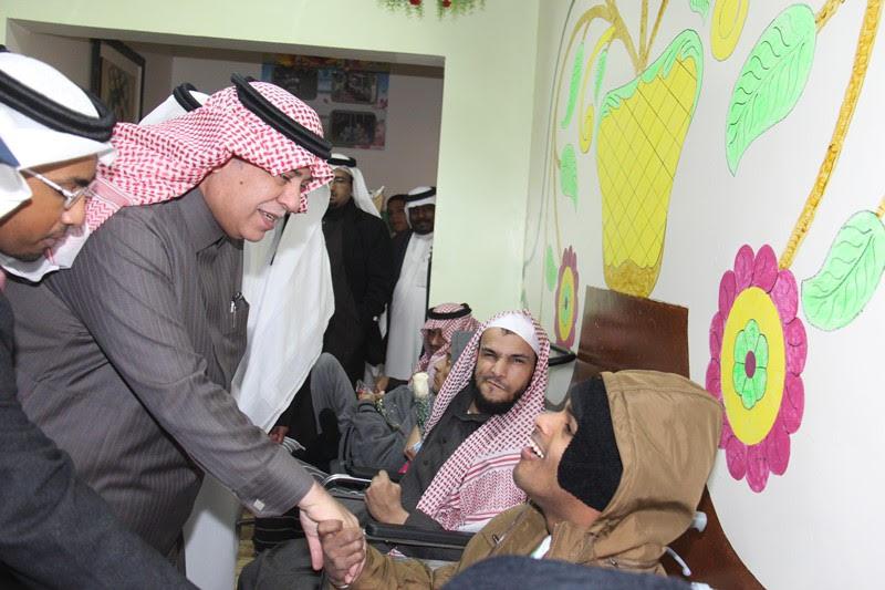 القصبي يزور ملتقى الجهات الخيرية بمنطقة الباحة (24)