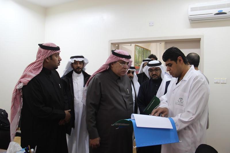 القصبي يزور ملتقى الجهات الخيرية بمنطقة الباحة (25)